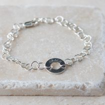 Effortless elegance and laid back charm are combined in this chic sterling silver bracelet.
